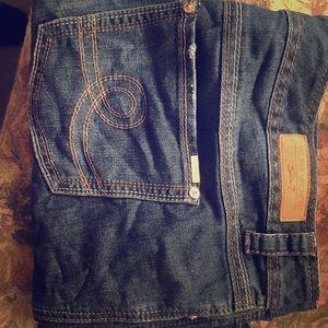 Melissa McCarthy Blue Jeans